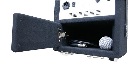 Neu Carry-150S マイクやケーブルの収納スペース